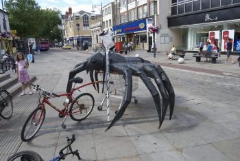 Watford Live 2010 - Tarantula takes to Watford High Street